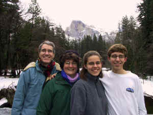 2002_Family_at_Half_Dome.jpg (79499 bytes)